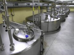 Equipment for the packaging of liquid products