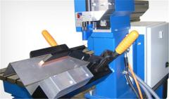 Механическая сварка продолными и угловыми швами используется при сборке каркасов