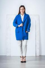 Весеннее женское пальто.