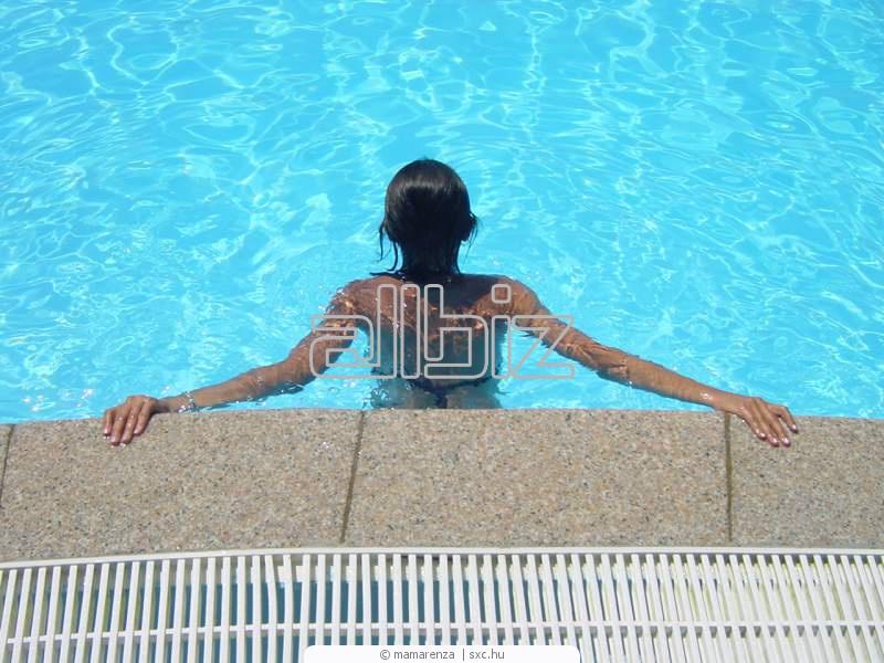 Заказать Открытый бассейн с подогреваемой водой
