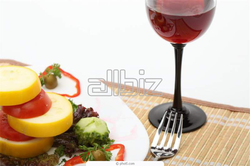 Заказать Летняя терраса при ресторане и бар в саду